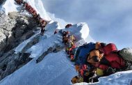 क्यों एवरेस्ट पर घटी त्रासदी के लिए सिर्फ नेपाल सरकार जिम्मेदार नहीं है