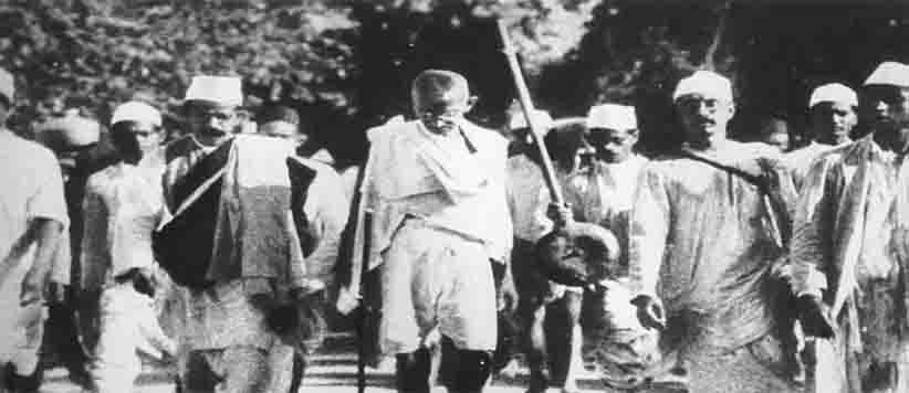 गांधी : 150 रस्म अदायगी तक ही